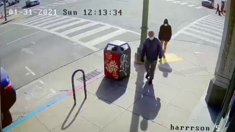 Elderly man gets assaulted for no reason in Oakland Chinatown